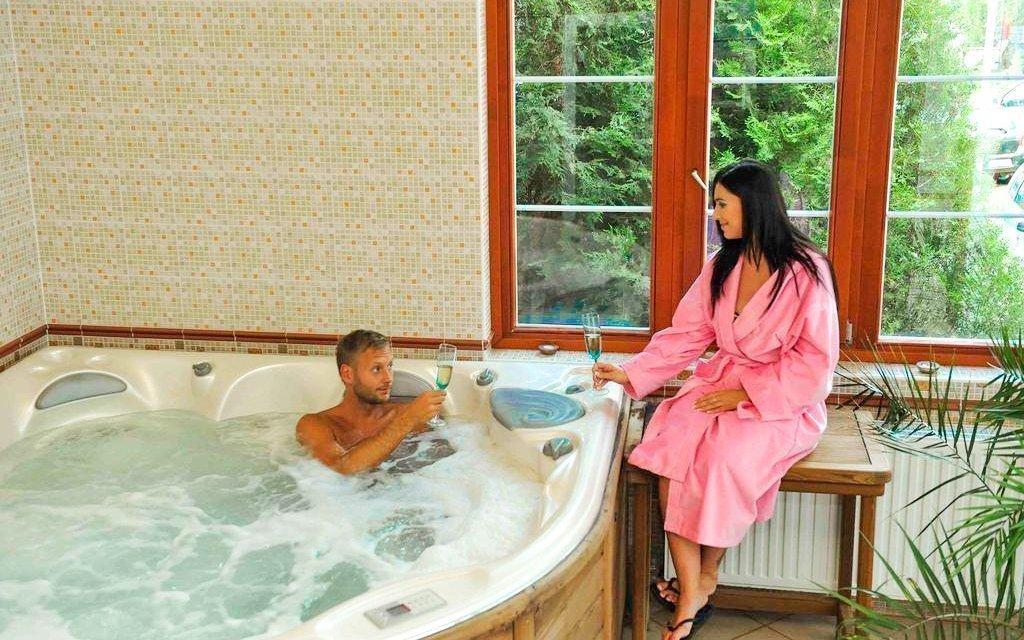 Hévíz se vstupenkou k termálnímu jezeru a wellness v Hotelu Erzsébet ***