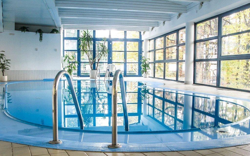 Písek v Interhotelu America **** s bazénem, saunou a snídaněmi