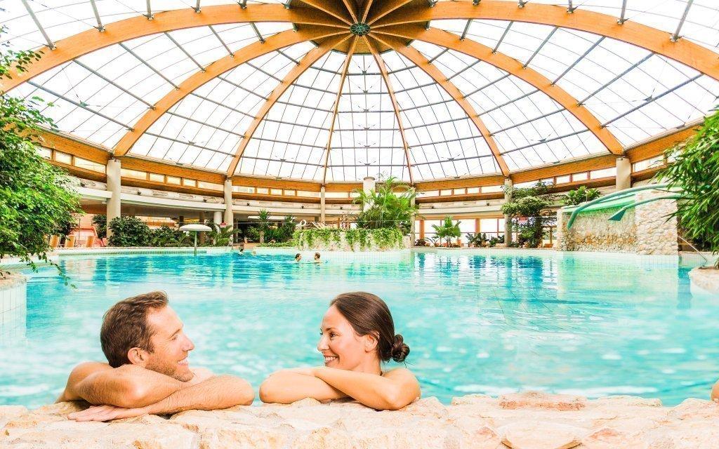 Maďarsko v luxusním 4* hotelu propojeném s termálními lázněmi + dítě zdarma