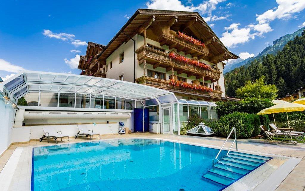Rakouské Alpy v luxusním hotelu Gutshof Zillertal **** s polopenzí a wellness