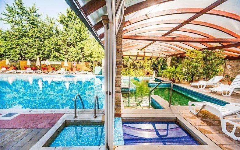 Termály u Budapešti v Nyerges Hotelu *** superior s polopenzí a wellness