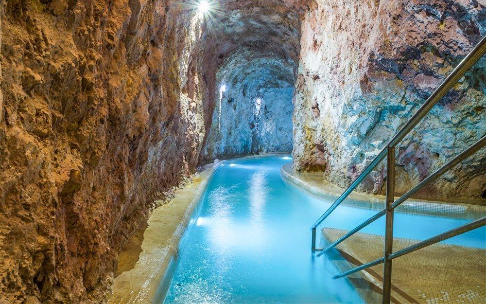 Miskolc Tapolca se vstupem do jeskynních lázní a wellness v Hungária Panzió