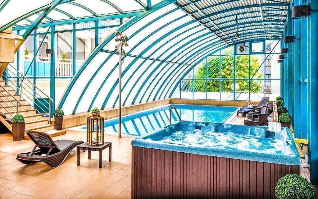 Piešťany: Hotel Magnólia **** s polopenzí, wellness a neomezeným bazénem