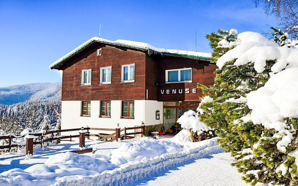 Špindlerův Mlýn s polopenzí, saunou a slevou na skipas v Hotelu Venuše ***