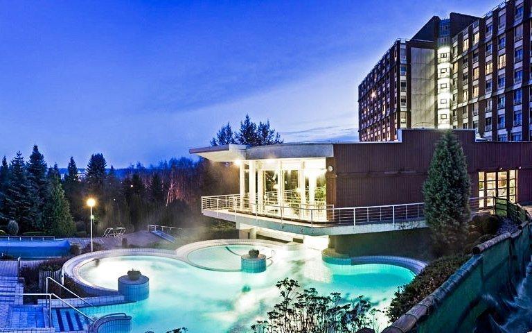 Hévíz v hotelu Danubius Health Spa Resort Aqua **** s all inclusive a wellness