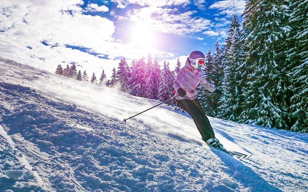 Krkonoše ve Ski Hotelu *** u ski areálů s polopenzí a kávou s moučníkem