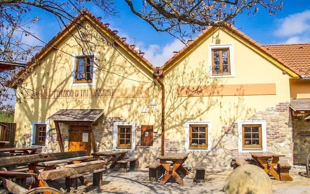 Jižní Morava: Penzion U Tří Jasanů u Znojma s neomezenou konzumací vína