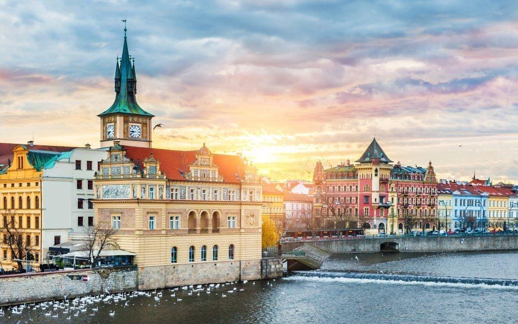 Praha v Pensionu FOX se snídaní 15 minut od centra s platností do listopadu