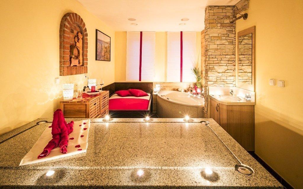 Jižní Morava ve vinných lázních Hotelu Centro **** Hustopeče s wellness