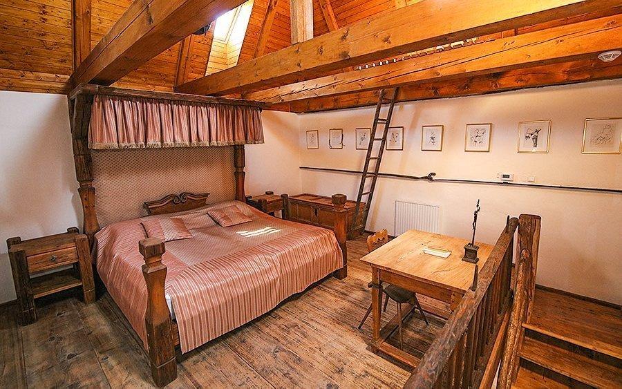 Romantický pobyt v Rezidenci Věž Jičín se snídaní a láhví vína