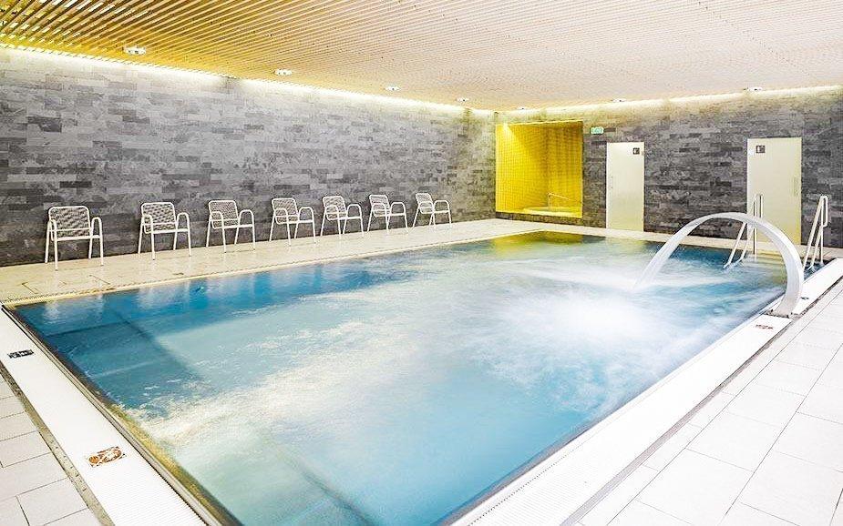 Vysočina v Hotelu SKI *** s polopenzí, vínem a bohatým wellness s bazénem