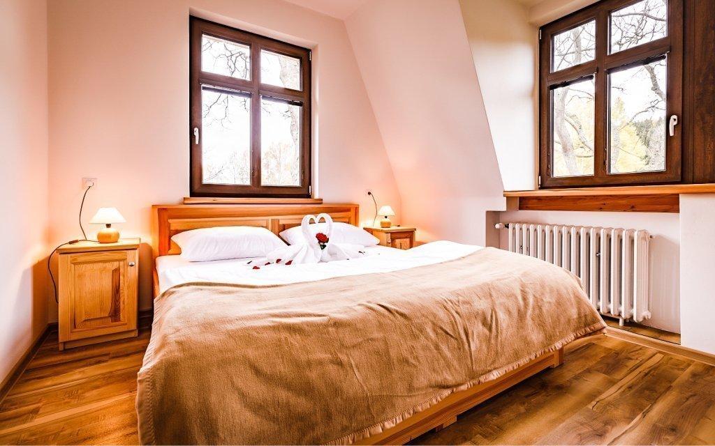 Spa Pod Javory v Krušných horách s polopenzí, volnočasovým areálem a saunou