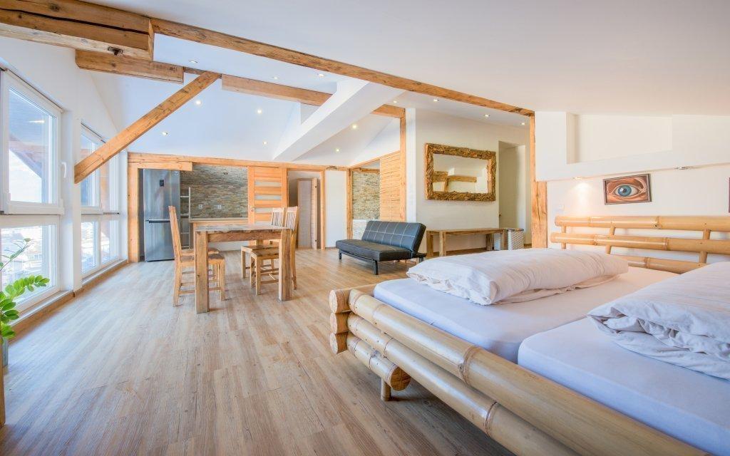 Rakouské Alpy se snídaní v hotelu Schlafmeile Traunsee s českým personálem