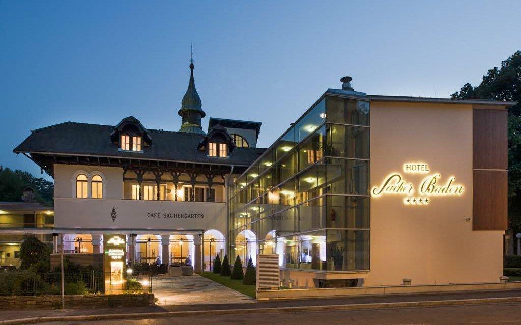 Luxus v Hotelu Sacher Baden **** u Vídně se snídaní, saunou a slevovou kartou