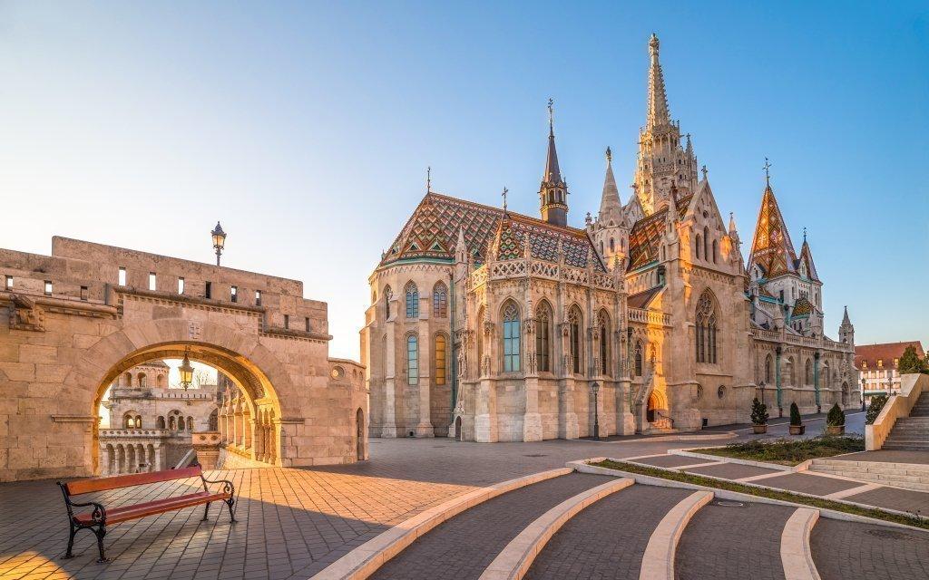 Budapešť v King´s Hotelu *** v historickém centru se snídaní + dítě zdarma