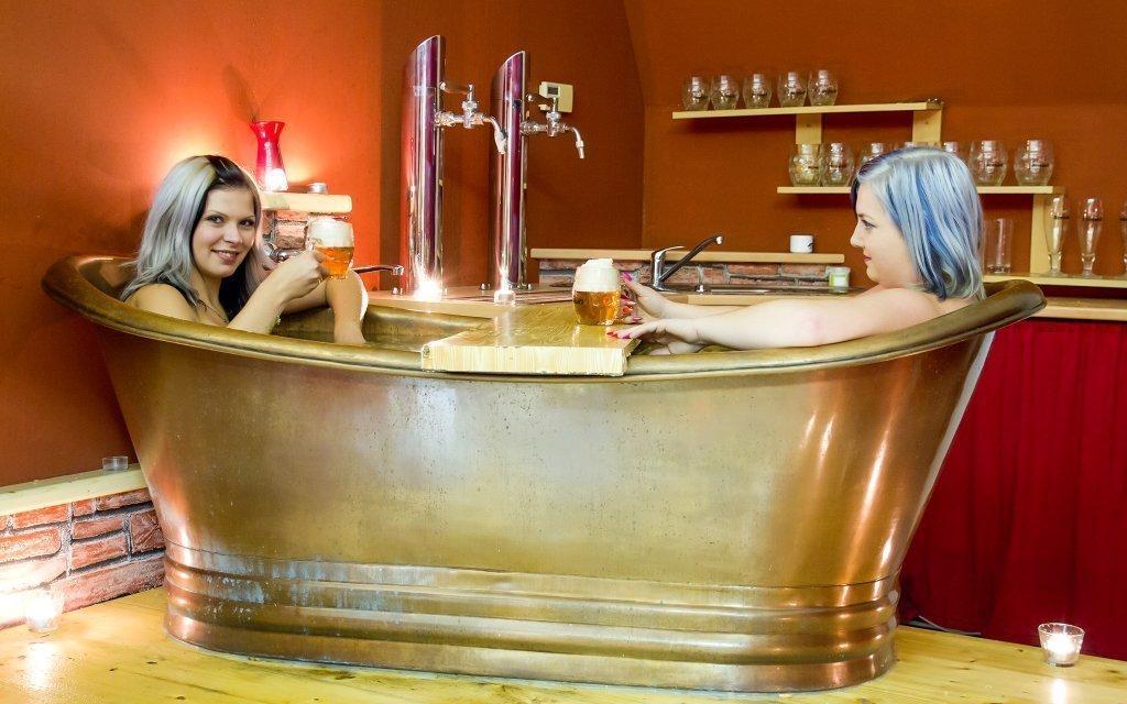 Pivní a vinné lázně Casiopea na Vysočině s koupelí, zábalem, masáží i snídaní