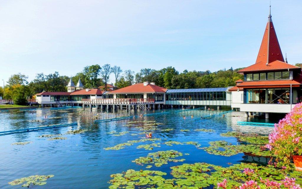 Hévíz: Penzion Andrea *** se vstupem k termálnímu jezeru a neomezeným wellness