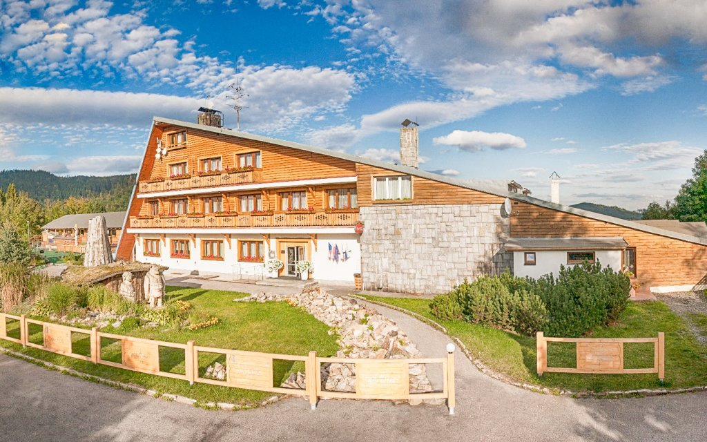 Beskydy: Wellness Hotel Bahenec *** s polopenzí, bazénem, saunou a procedurami