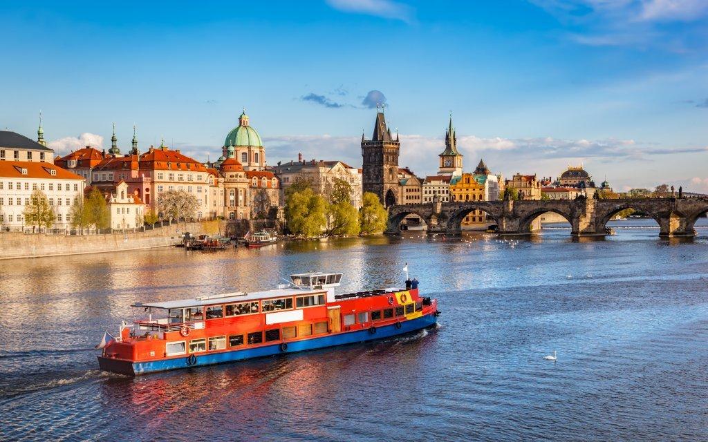 Praha jen 20 minut od centra v klidném hotelu Golden Golem *** se snídaněmi