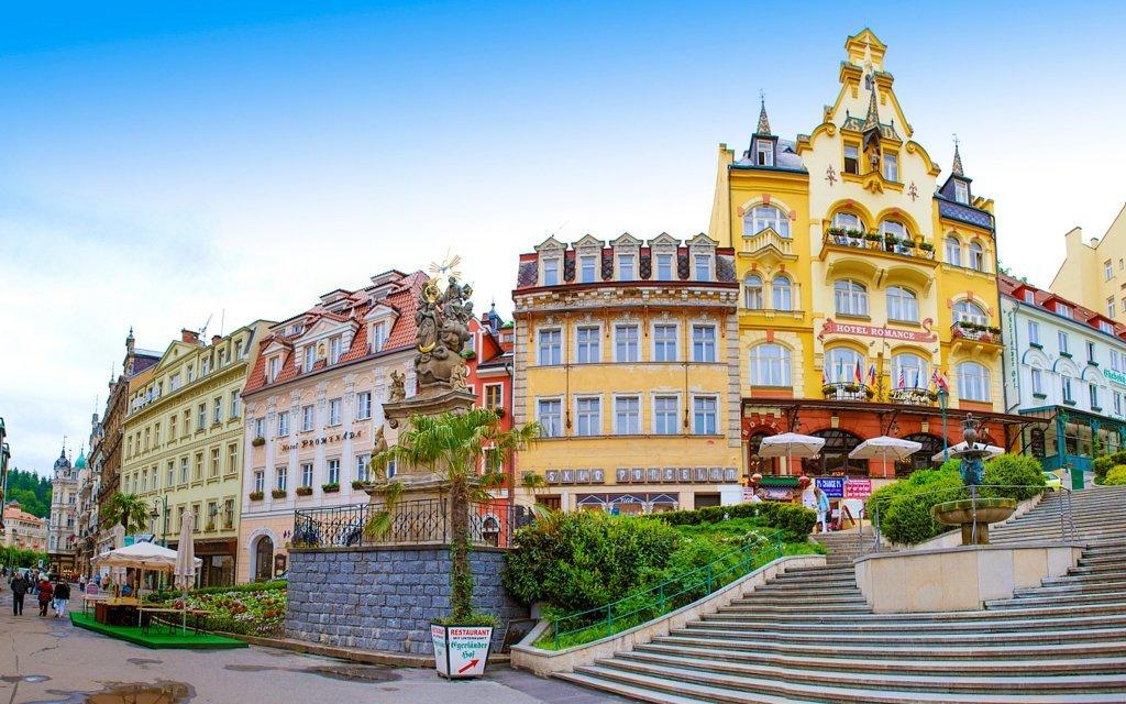 Karlovy Vary: romantický či wellness pobyt ve Ville Renan se snídaní a slevami