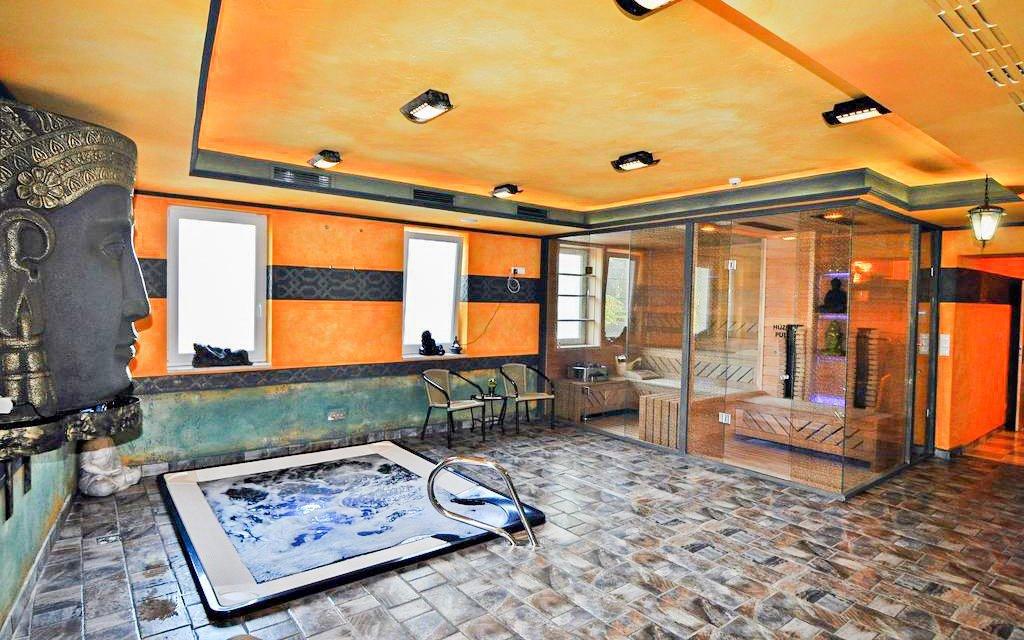 Maďarské lázně ve 4* hotelu s neomezeným wellness, polopenzí a vstupem do lázní