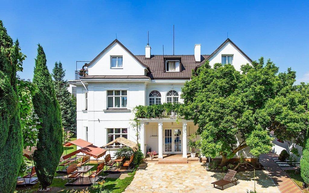 Praha pro dva v romantickém hotelu Marie-Luisa se stravou a mnoha výhodami