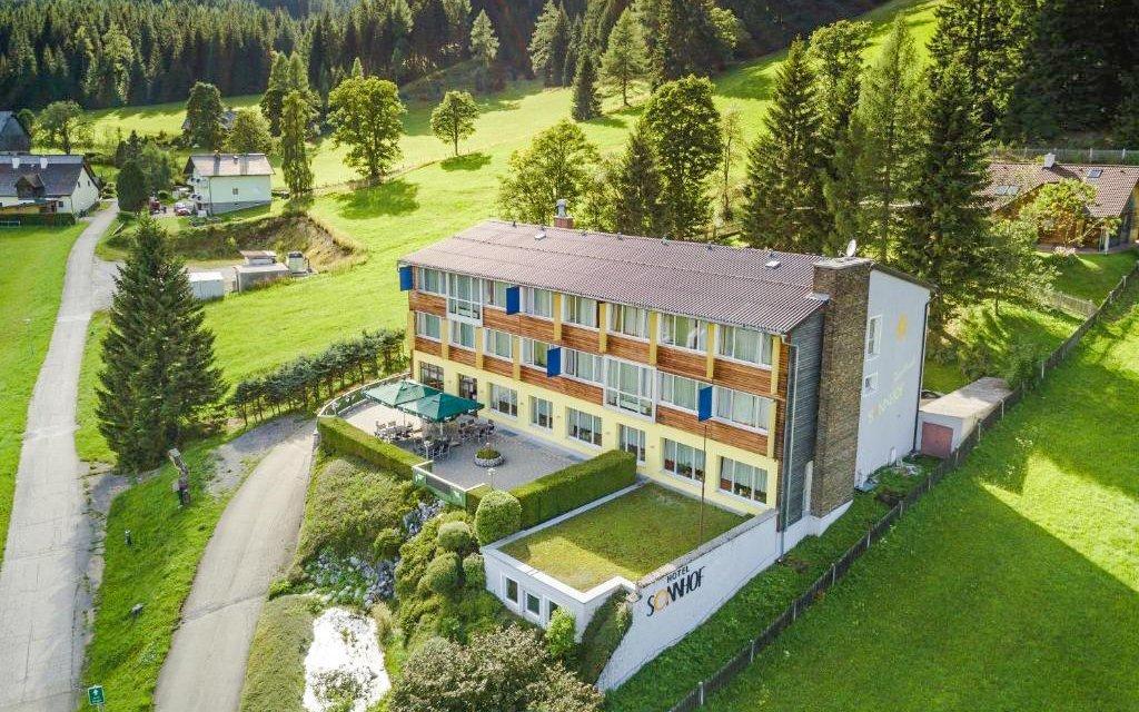 Rakouské Alpy v hotelu Sonnhof *** s wellness, polopenzí a slevovou kartou