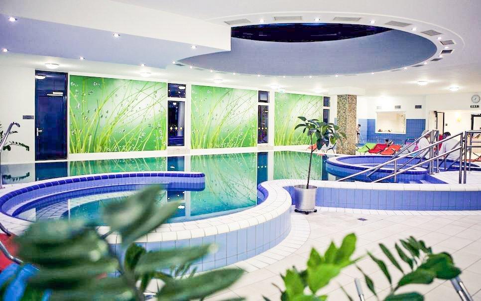 Zalakaros jen 150 m od lázní  v Hotelu Napfény *** s polopenzí a wellness