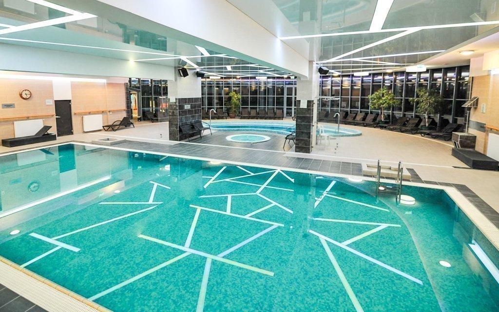 Eger v luxusním hotelu Eger & Park **** s polopenzí a neomezeným wellness