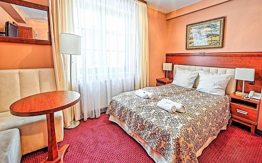 Krakov luxusně v Hotelu Modrzewiówka *** s wellness, vířivkou a polopenzí
