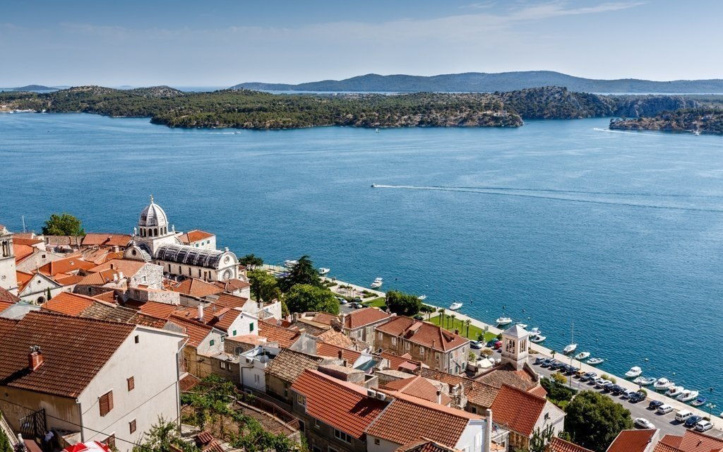 Dovolená v Chorvatsku: Dalmácie v apartmánech 350 metrů od pláže