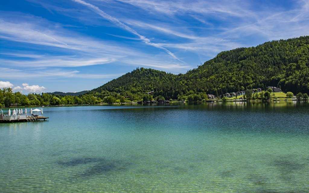 Rakouské Alpy: penzion Lindenhof u jezera Klopeiner See se vstupem na pláž