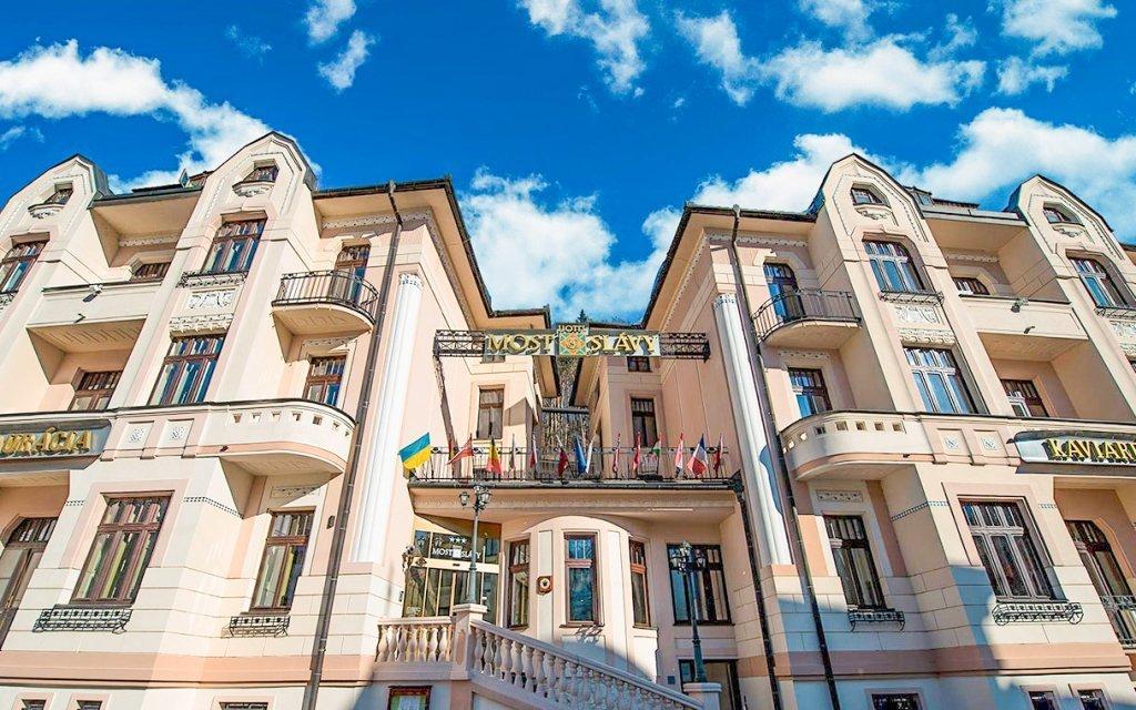 Trenčianske Teplice: luxusní léčebný pobyt v hotelu Most Slávy ***