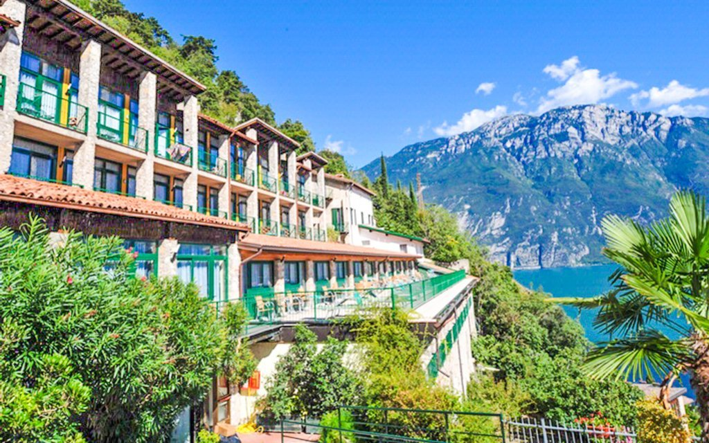 Lago di Garda v hotelu La Limonaia *** s polopenzí a bazény v severní Itálii