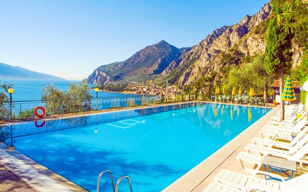 Lago di Garda v hotelu La Limonaia *** s výhledem na jezero, polopenzí a bazény