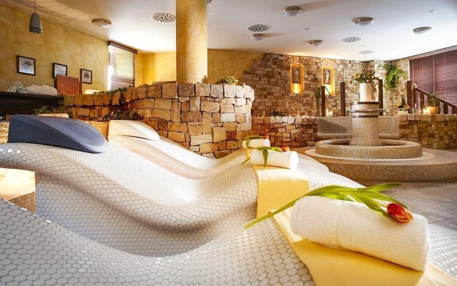 Krkonoše s polopenzí a neomezeným wellness v Hotelu SPA Bílý Hořec ***