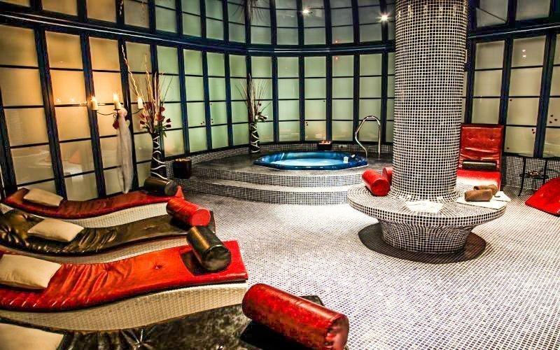 Česká Lípa: luxusní wellness v Hotelu Morris **** s polopenzí a procedurami