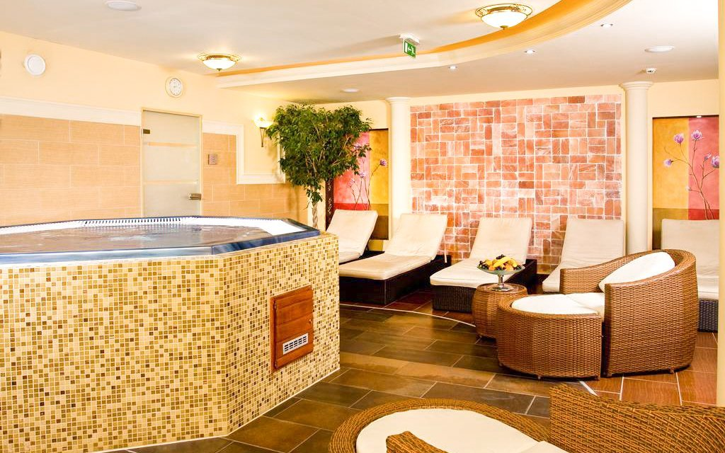 Győr v Hotelu Kálvária ****: vstup do lázní Rába Quelle, wellness a polopenze