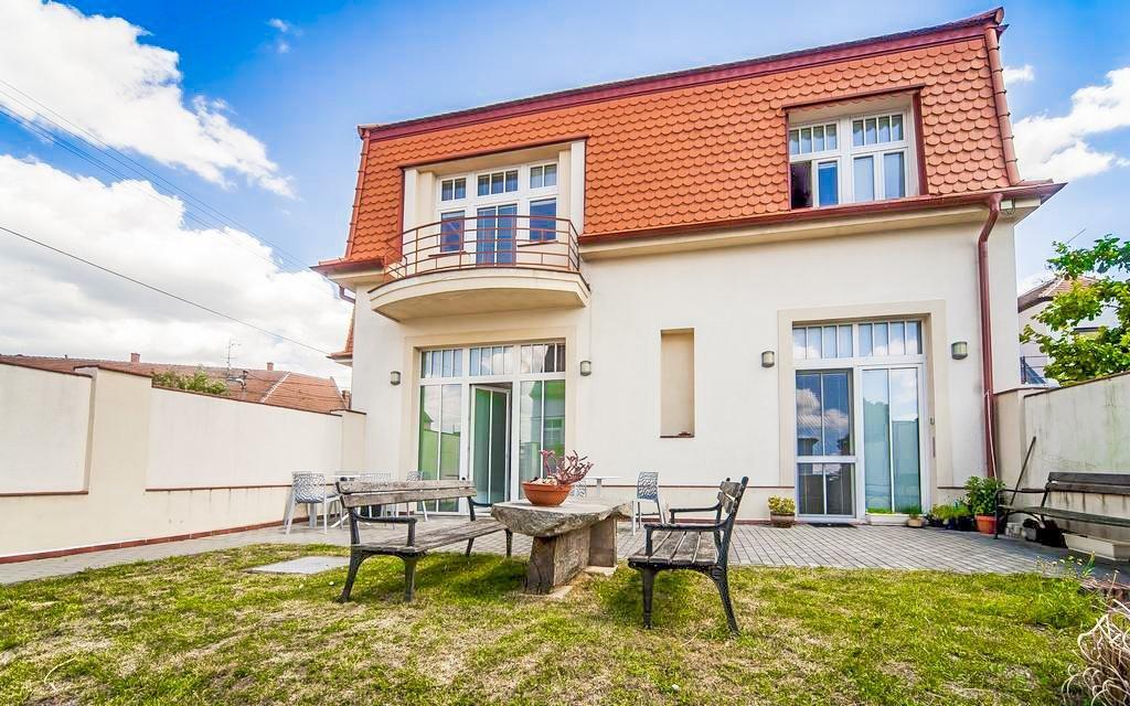 Jižní Morava: relaxace v Hotelu Golf Garni *** s privátní saunou a procedurami
