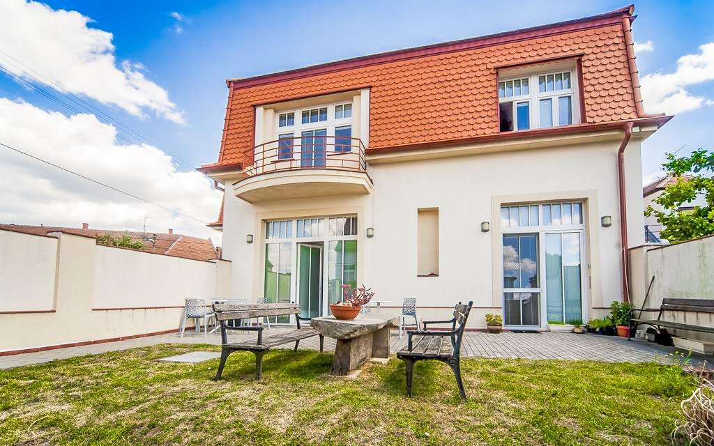 Jižní Morava: Mikulov v Hotelu Golf Garni *** s privátní saunou a procedurami