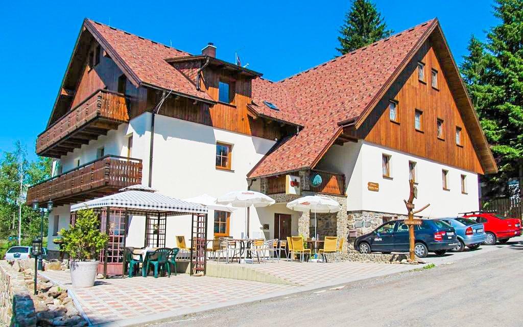 Šumava v apartmánu v Penzionu Alpský Dům s polopenzí + dítě do 15 let zdarma