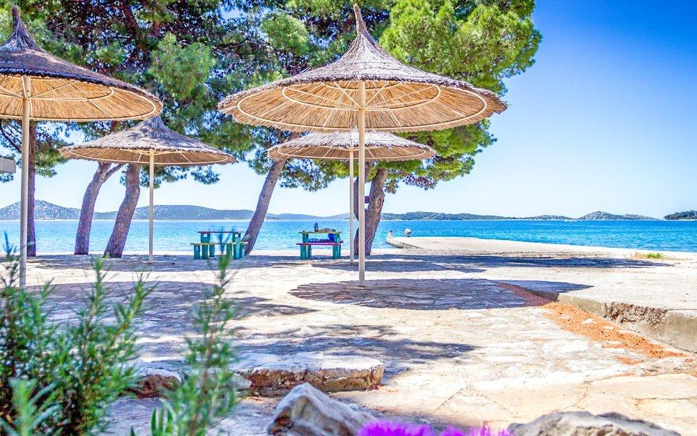 Chorvatsko pro rodiny: Dalmácie v Apartmánech Vlado 350 metrů od pláže