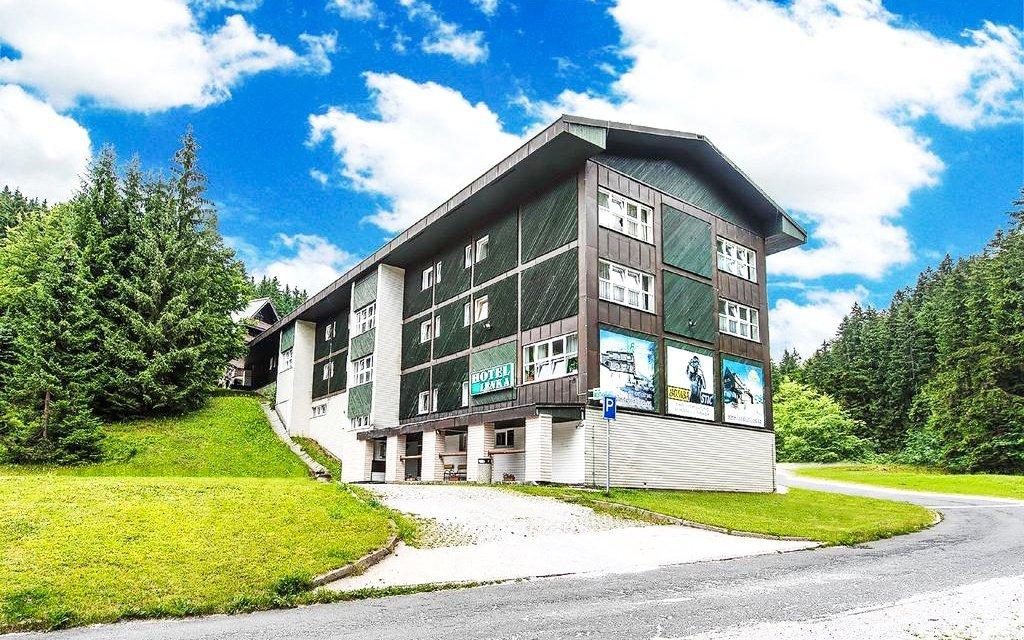 Krkonoše: Špindlerův Mlýn v rodinném Hotelu Lenka *** s polopenzí a saunou