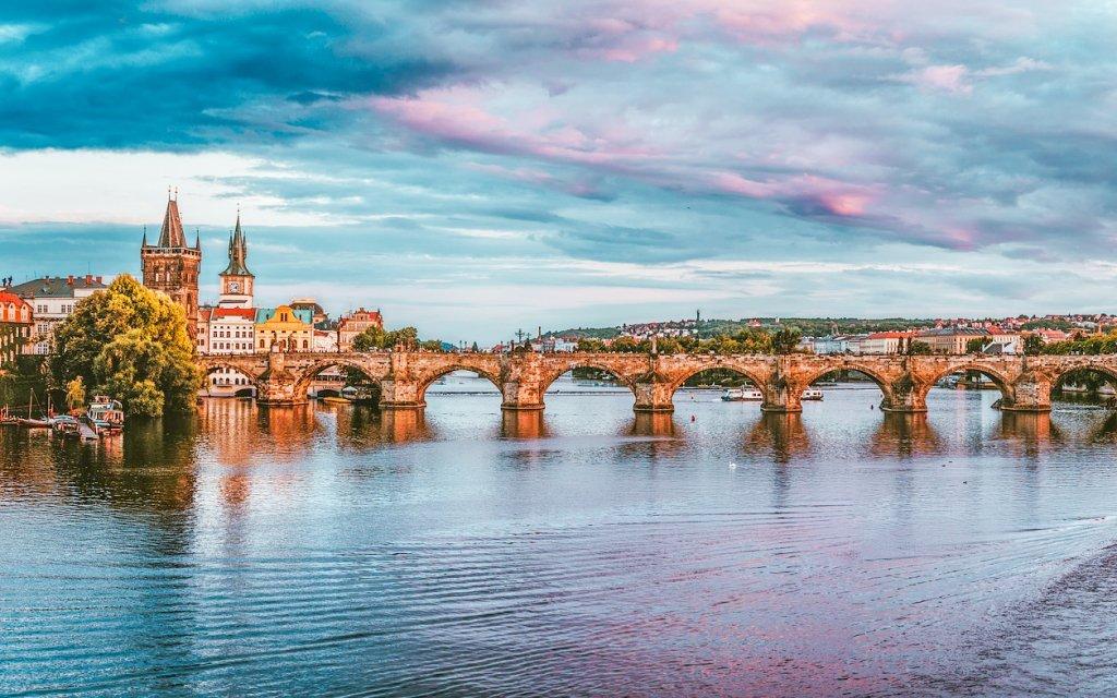 Praha luxusně blízko Václavského náměstí v Hotelu Theatrino **** se snídaněmi
