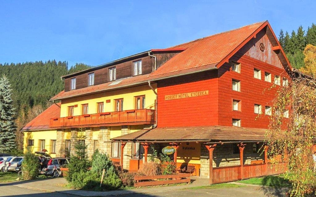 Beskydy: Horský hotel Kyčerka *** ve valašské přírodě s polopenzí a kuželkami
