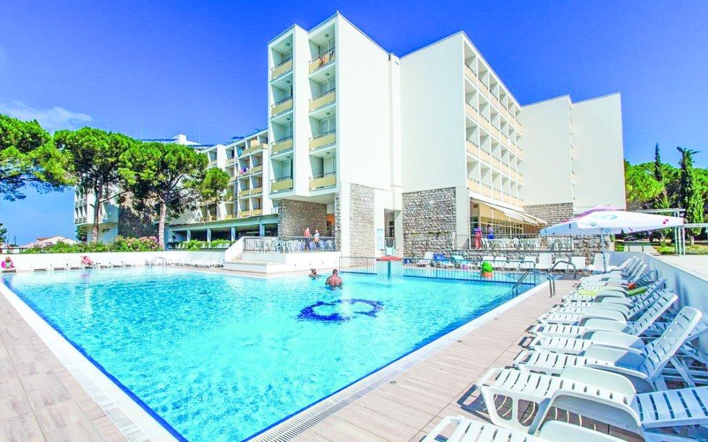 Chorvatsko v Hotelu Adria *** s all inclusive, bazénem a možností dopravy