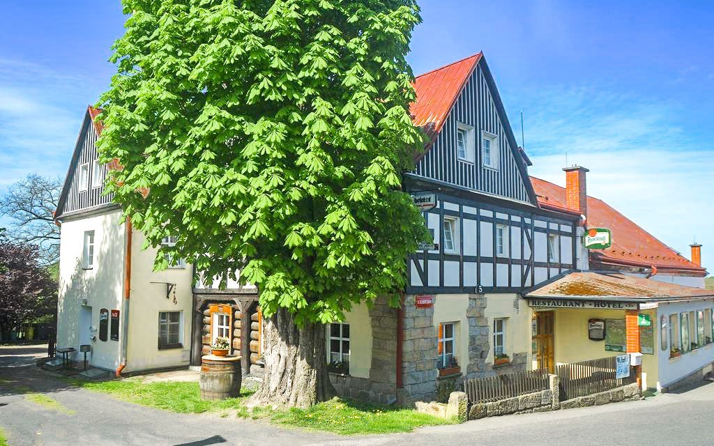 České Švýcarsko v Hotelu U Zeleného stromu *** s polopenzí a úschovnou kol