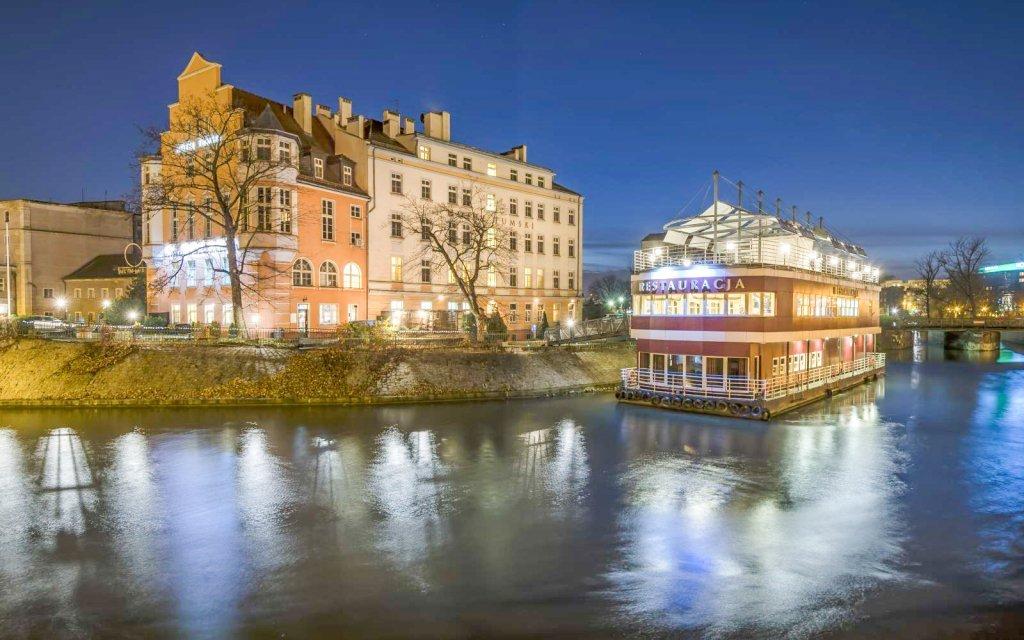 Polsko: Hotel Tumski *** v centru Vratislavi s polopenzí a lodní restaurací
