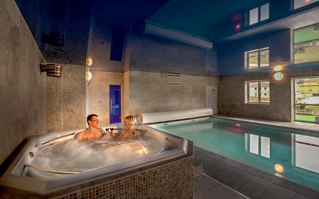 Rakovnicko: Luxusní Hotel Lions s all inclusive a neomezeným wellness