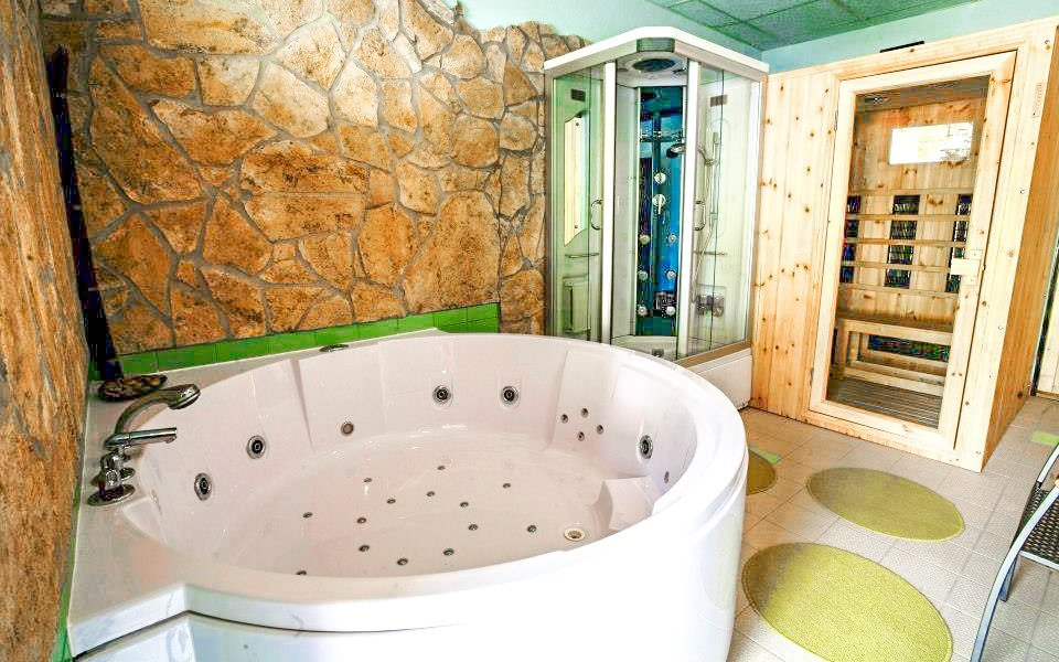 Beskydy v Apartmánech Celnica s polopenzí, bazénem a vstupem na koupaliště